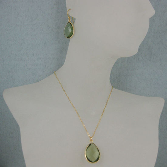 "Wholesale Bezel Gemstone Tear Pendant Necklace & Earrings - Gold Plated - Green Amtheyst Quartz (16-24"")"