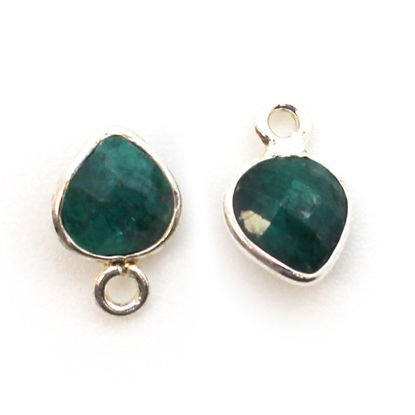 Wholesale Sterling Silver Elongated Teardrop Bezel Emerald Dyed Gemstone Pendant, Wholesale Gemstone Pendants for Jewelry Making